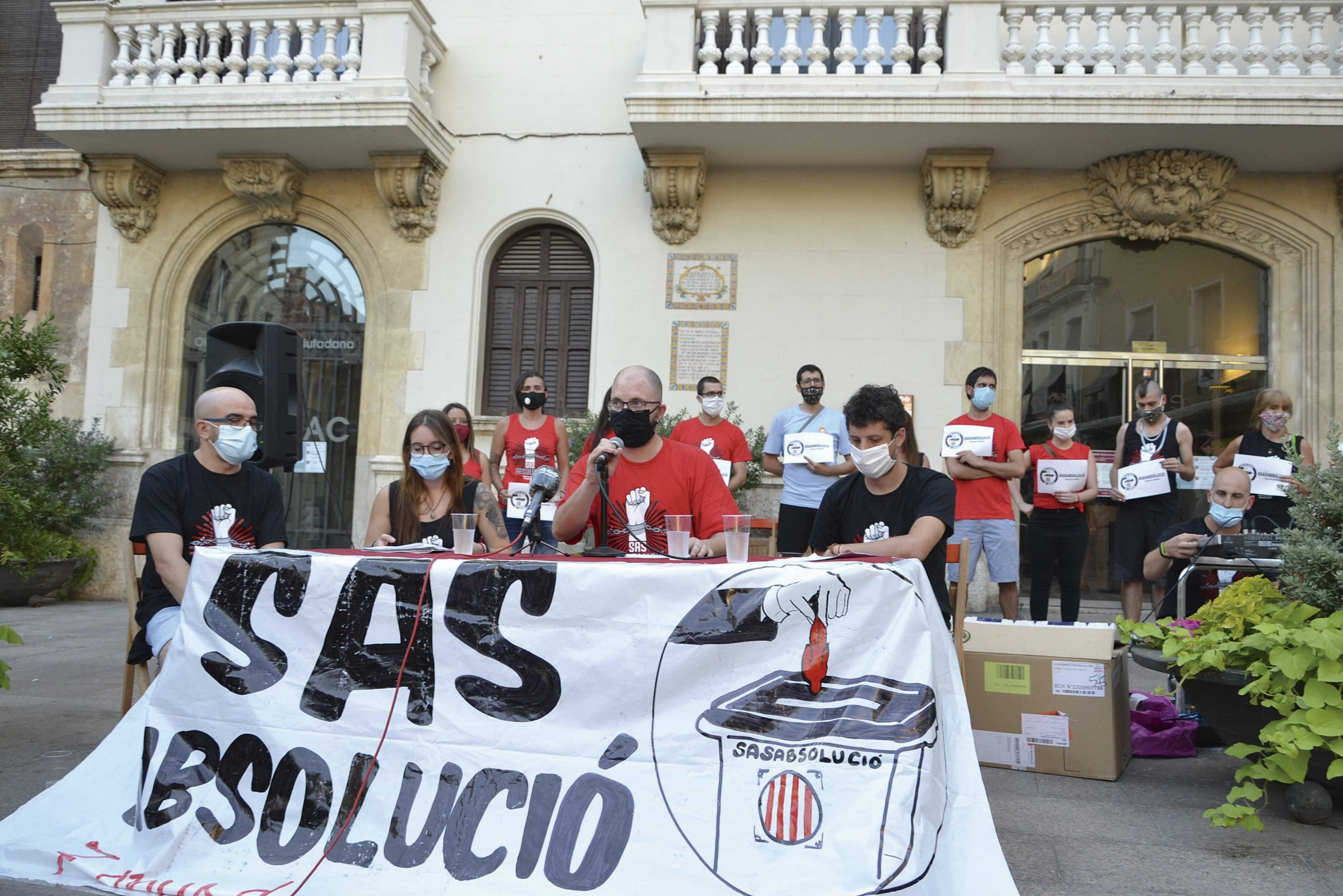 Roda de premsa en suport a Adrián Sas